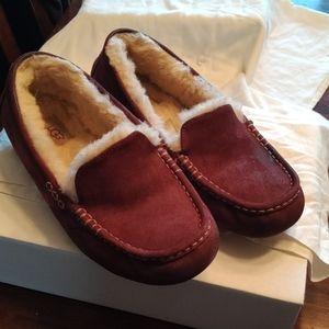 Men UGG slippers size 10